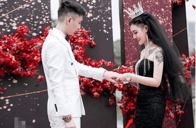 [新聞] 個性黑色婚紗照圖片大全