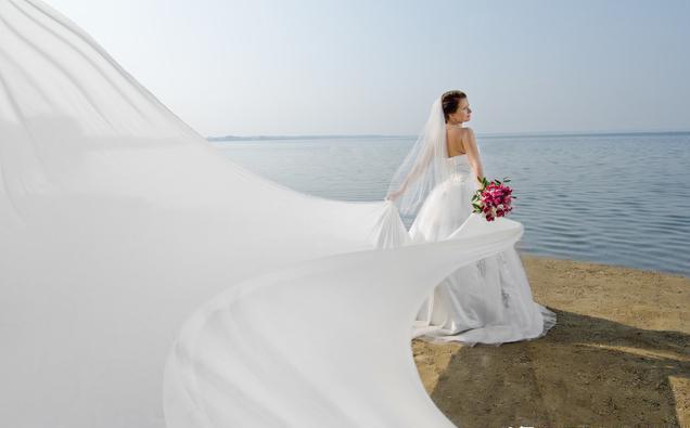 挑一款適合自己的婚紗才完美