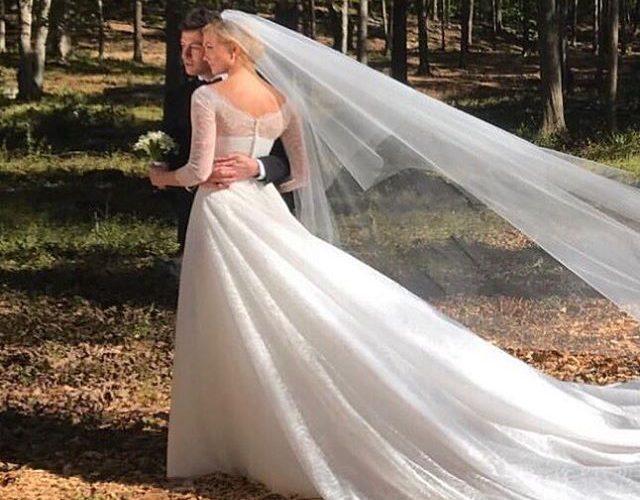 超模Karlie Kloss結婚了!她的絕美婚紗來自這個品牌!