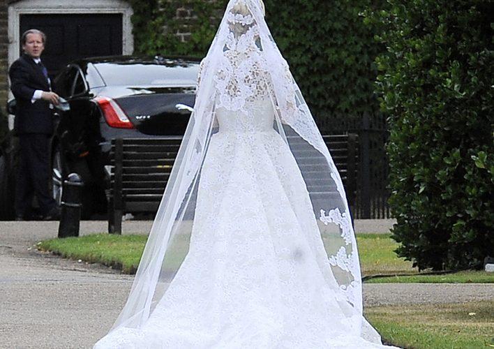 超富貴新娘!Nicky Hilton穿上50萬英鎊超豪婚紗