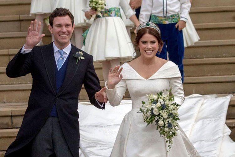 尤金妮公主的婚紗、皇冠、花球和結婚蛋糕出自哪些品牌?